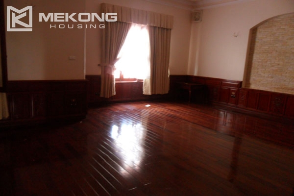 Very big villa with 8 bedrooms for rent in Thang Long International Village 9