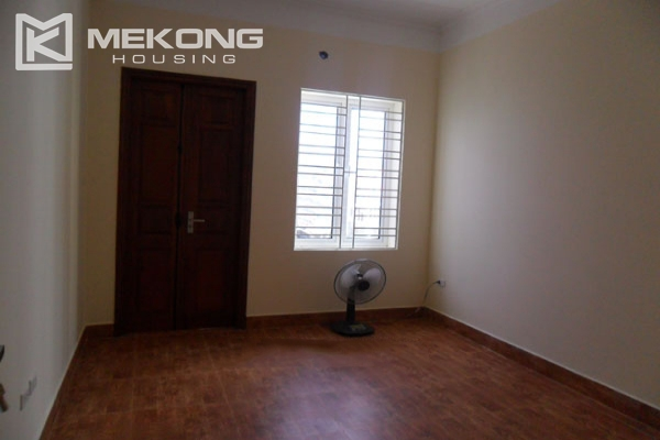 Very big villa with 8 bedrooms for rent in Thang Long International Village 11
