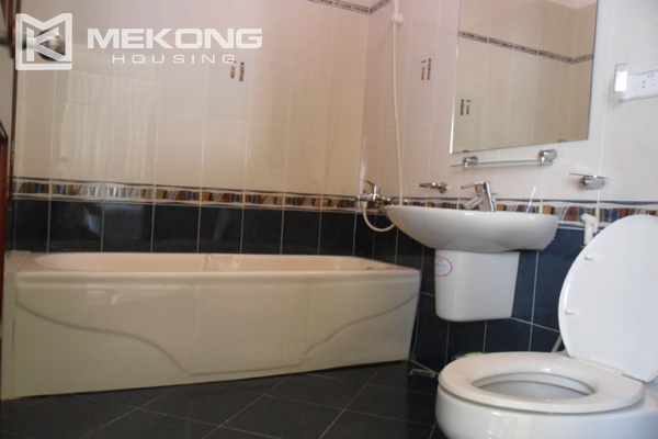 Very big villa with 8 bedrooms for rent in Thang Long International Village 13