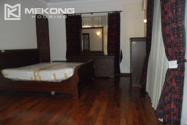 Very big villa with 8 bedrooms for rent in Thang Long International Village 14