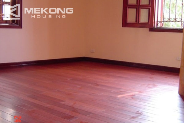 Very big villa with 8 bedrooms for rent in Thang Long International Village 16