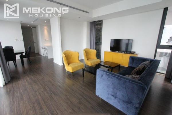 Very bright and nice serviced apartment for rent in Xuan Dieu street 2