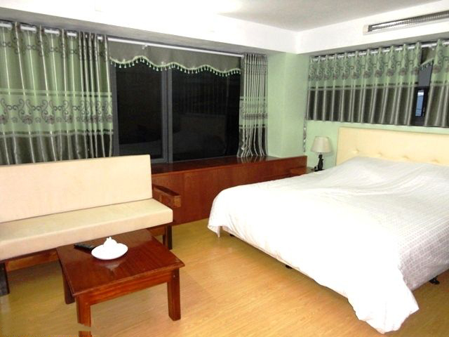 Very Cheap Apartment For Rent in Nguyen Phong Sac Street