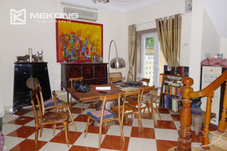 Villa for rent in Tay Ho, large yard and nice furniture 5