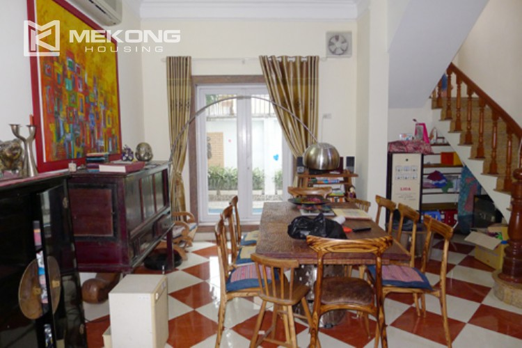 Villa for rent in Tay Ho, large yard and nice furniture 7
