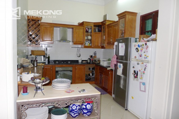 Villa for rent in Tay Ho, large yard and nice furniture 8