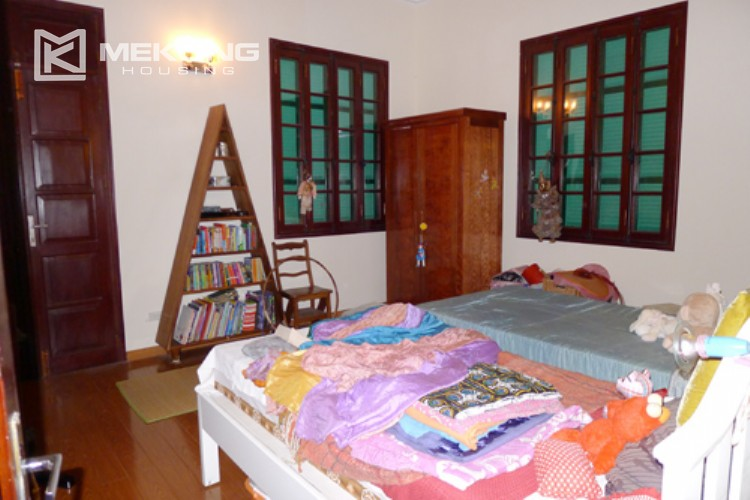 Villa for rent in Tay Ho, large yard and nice furniture 10
