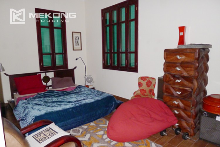 Villa for rent in Tay Ho, large yard and nice furniture 12