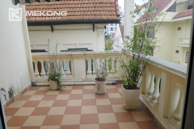 Villa for rent in Tay Ho, large yard and nice furniture 13