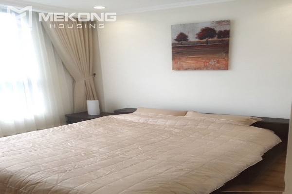 Well decorated apartment with 2 bedrooms on high floor in Vinhomes Nguyen Chi Thanh 5