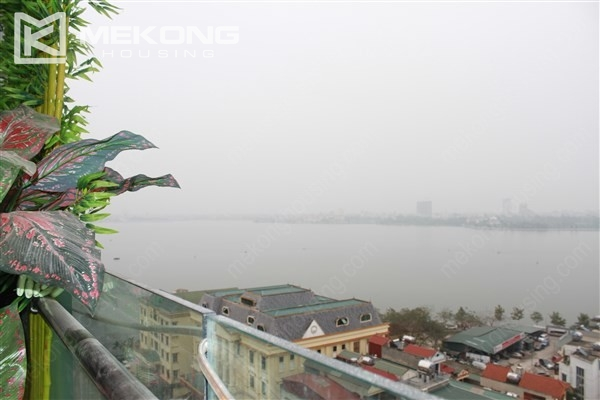 Well decorated apartment with 3 bedrooms on high floor in Watermark Westlake, Lac Long Quan 3