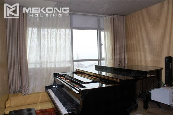 Well decorated apartment with 3 bedrooms on high floor in Watermark Westlake, Lac Long Quan 6