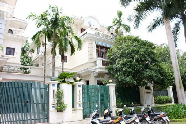 Well decorated villa with 5 bedrooms for rent in C block, Ciputra Hanoi 1