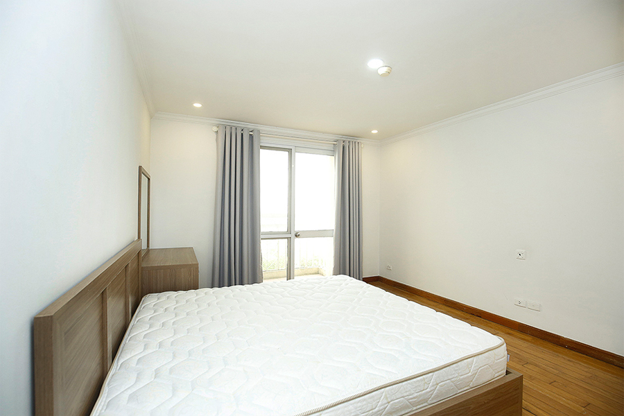 Well designed apartment with 4 bedrooms for rent in G2 tower, Ciputra Hanoi 10