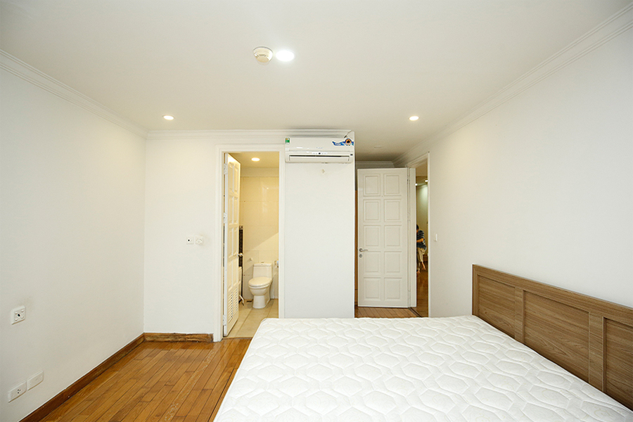 Well designed apartment with 4 bedrooms for rent in G2 tower, Ciputra Hanoi 9
