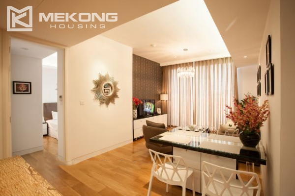 Well furnished and spacious apartment with 2 bedrooms in Indochina Plaza Hanoi 4