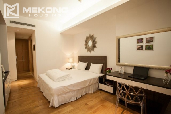 Well furnished and spacious apartment with 2 bedrooms in Indochina Plaza Hanoi 6