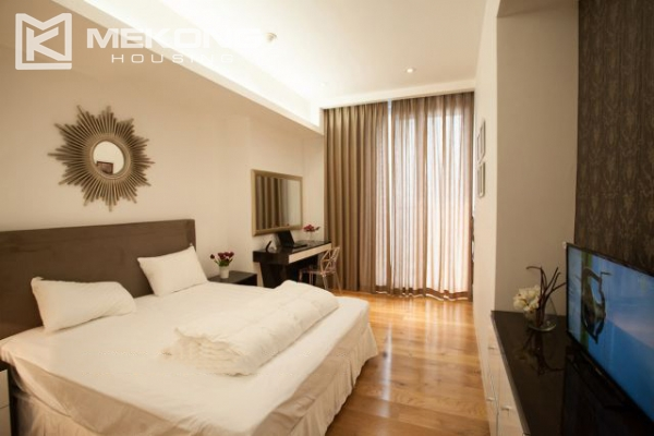 Well furnished and spacious apartment with 2 bedrooms in Indochina Plaza Hanoi 7