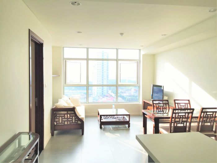 Well furnished apartment with 2 bedrooms for rent in Watermark Lac Long Quan street,