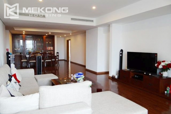 Well furnished apartment with 3 bedrooms on high floor for rent in Pacific Place Hanoi 2