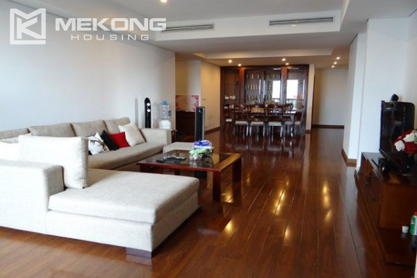 Well furnished apartment with 3 bedrooms on high floor for rent in Pacific Place Hanoi 3