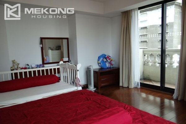 Well furnished apartment with 3 bedrooms on high floor for rent in Pacific Place Hanoi 9