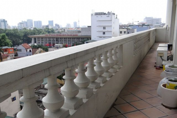 Well furnished apartment with 3 bedrooms on high floor for rent in Pacific Place Hanoi 17